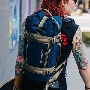 Navy Blue EmPack Nomad & Reservoir Hydration Pack